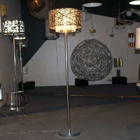 Chinese Supplier Metal Hollow Floor Lamp with Crystal Hanging pictures & photos