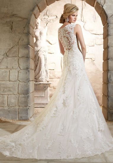 Sheer Lace Back Wedding Dresses V-Neck Custom Made Bridal Wedding Gowns G17807 pictures & photos