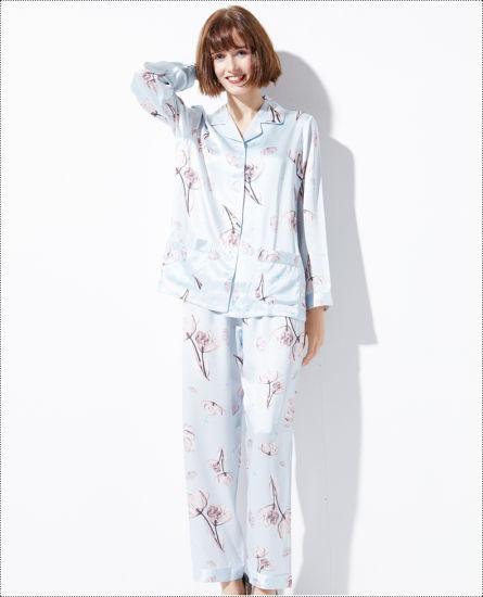 5f30fcf719 China Women′s Classic Silk Pajama Set Custom Digutal Printed ...