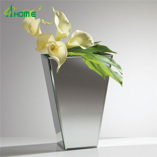 China Astonishing Mirrored Glass Vases With Beautiful White Flowers