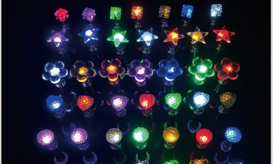 Star Shape Diamond Shape Color Changing Light up LED Stud Earrings pictures & photos