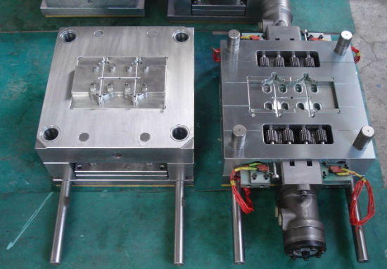 Plastic Mould Maker for Auto Parts/Medical Parts/Industrial Parts/Connector Accsessory pictures & photos