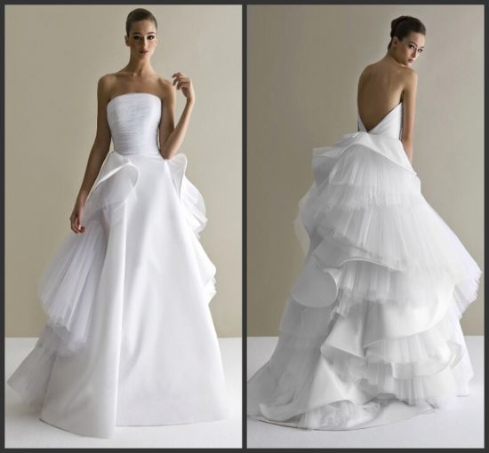 V-Back Bridal Ball Gowns Cascading Ruffles Luxury Wedding Dress Dz511