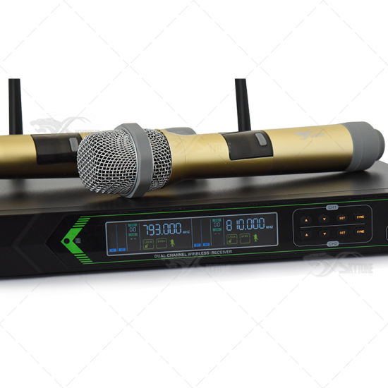 China Dx38 UHF Frequency Dual Handheld Wireless Microphone