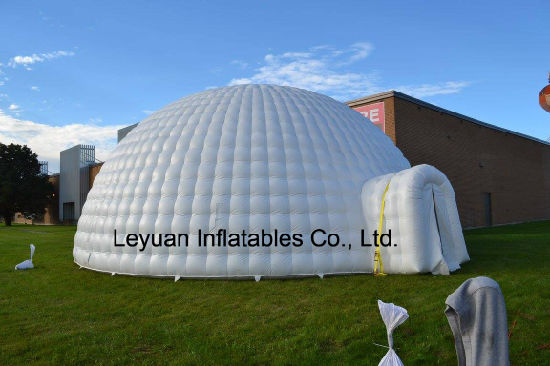 Ready to Ship Top Quality Outdoor Fireproof Inflatable Igloo with LED Lighting pictures & photos