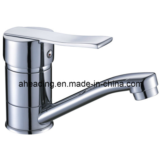 Economic Brass Body and Zinc Alloy Handle Kitchen Faucet