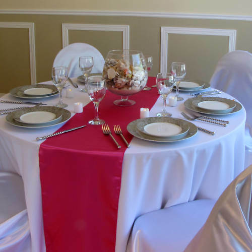 Hot Red Cheap Satin Table Runner for Wedding pictures & photos