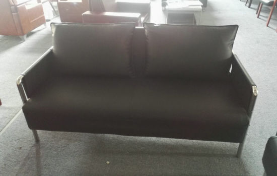 1 Cbm Per Set Office Sofa, Steel Frame Leather Sofa (6927) pictures & photos