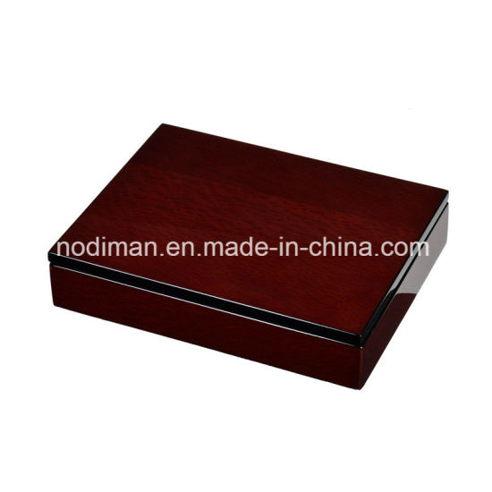 High Quality Dark Red Wooden Gift/Date/Chocolate Box pictures & photos
