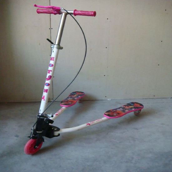 Professional Frog Kick Scooter,Speeder Scooter with PU Light Wheel (ET-FGS004) pictures & photos