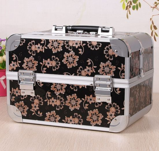 Aluminum Beauty Vanity Box Makeup Train Cosmetics Case pictures & photos