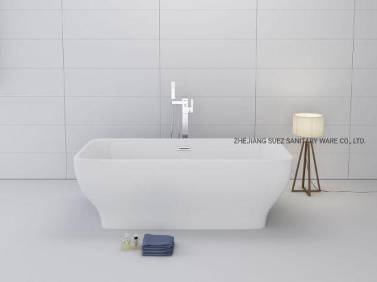 Free Standing Bathtub in Clear Acrylic