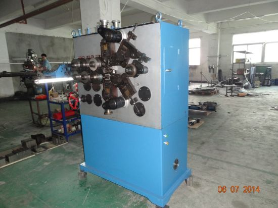 Manual Spring Coiling Machine pictures & photos