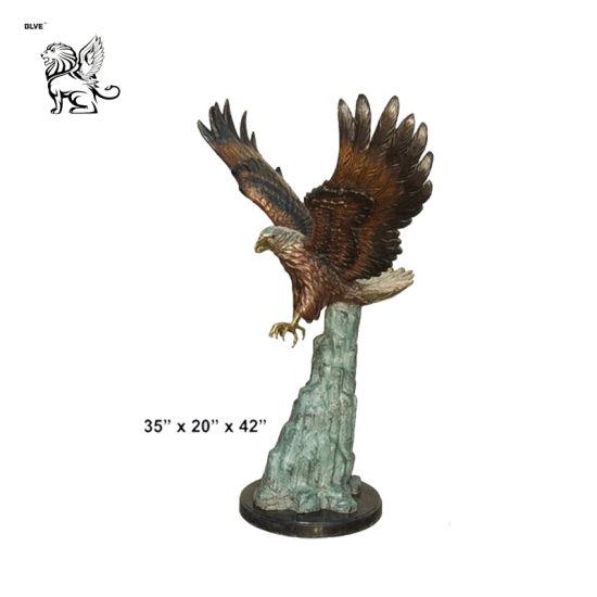 Wholesale Garden Animals Life Size Outdoor Garden Cast Predation Bronze Eagle Flying Sculpture Basc-047