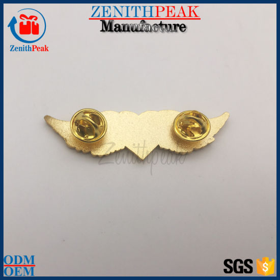Wholesale China Supplier Metal Gold Heart Angel Lapel Pin with Wing