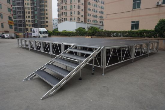 2018 Rk Non-Slip Platform Portable Aluminum Stage for Outdoor Event pictures & photos