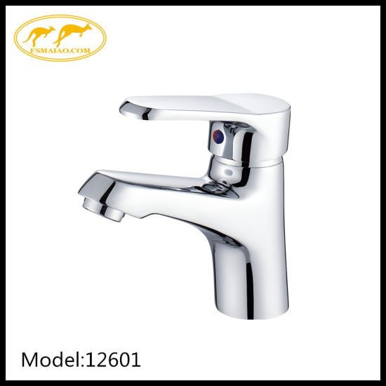 Modern High End Quality Bathroom Basin Faucet with Ceramic Cartridge (12601)