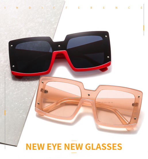 2020 Rectangle Shield Designer Rivets Sunnies Shades Sunglasses RS2155-7 No MOQ pictures & photos