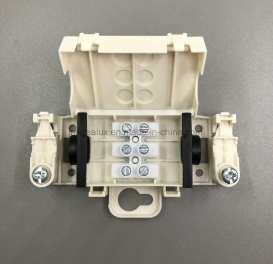 China IP44 2 Way Plastic Waterproof Electrical Junction Box