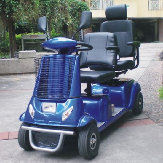 China 2 Seater CE Electric Mobility Scooter for The Elderly