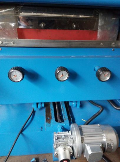 3 Spindles for 45 Degree Flat Glass Edging Machinery pictures & photos