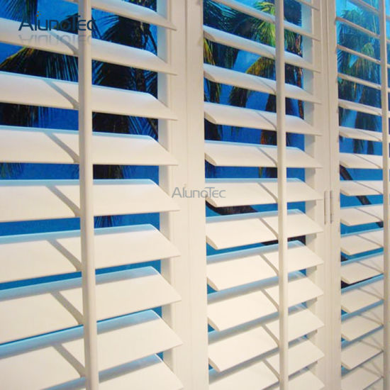 Plantation Window Wooden Shutters pictures & photos