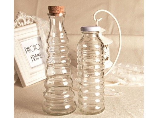 Glassware/Glass Jar/Beverage/Juice Bottle with Wooden Lid pictures & photos