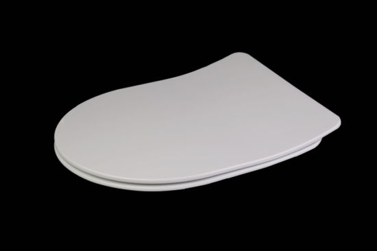 Slim Shape Soft Close Urea Toilet Seat pictures & photos