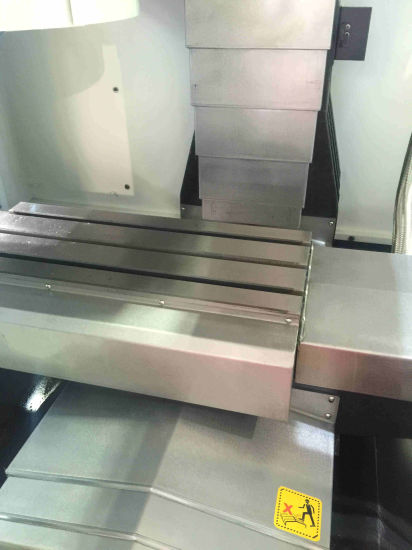 CNC Machining /CNC Vertical Machining Center (vmc850) pictures & photos