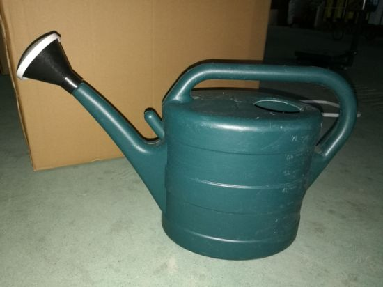 Watering Can / Watering Pot 7L /9L/ 11L pictures & photos