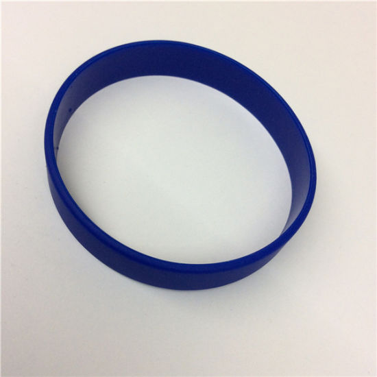 2016 Hottest Selling Professional Wholesale Silicone Fashion Bracelet pictures & photos