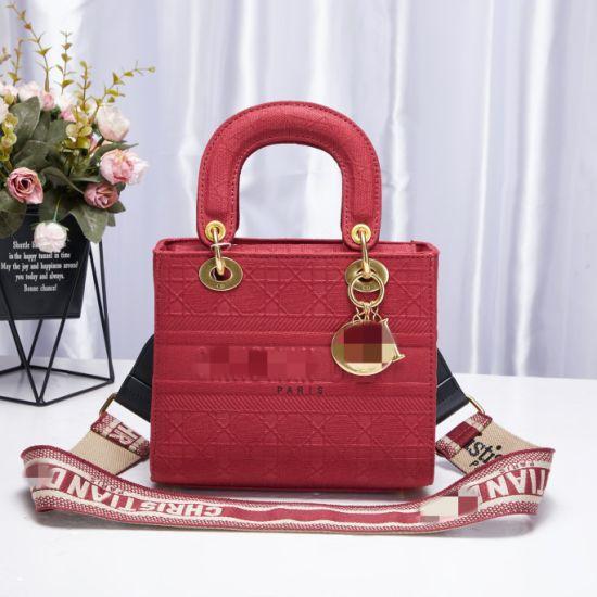 New Fashion and Modern Large Capacity Shopping Travel Portable Storage Handbag for Lady Leather Shoulder Bag PU PVC Quilted Bag Turnover Lock Lady Handbag