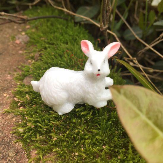 Polyresin Sculpture Gifts Mini Rabbit Figures Toys Garden Stake Decoration Resin Craft