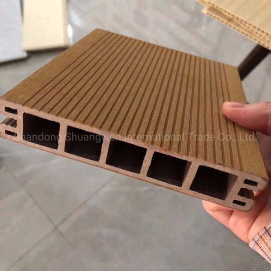 Co-Extruded WPC Decking Flooring for Exterior Decoration