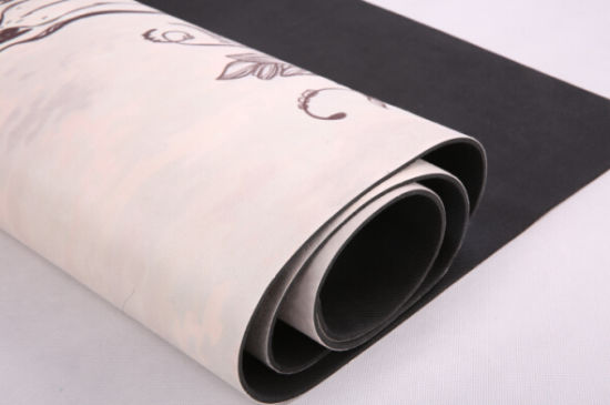 2-in-1 Towel and Mat with Non-Slip Grip. Also Perfect for Ashtanga and Pilates. pictures & photos