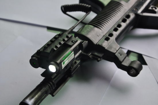 New Military Standard Compact Square Design Tactical Es-Fx103-LG LED Flashlight Attached with Green Laser Sight pictures & photos