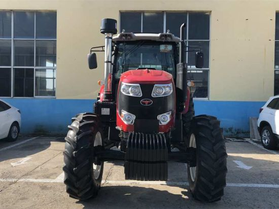 Hot Sale New Designed Th1304 Tractor with Cabin (130HP, 4WD)