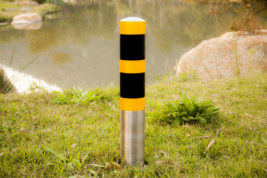 Strong and Durable Stainless Steel Barrier Bollard pictures & photos