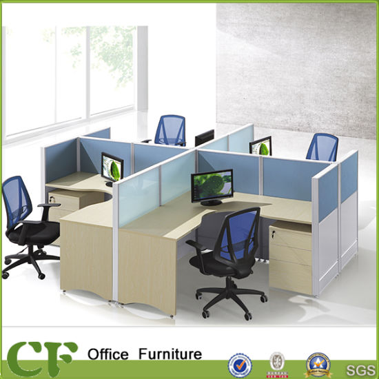 Cusstom Design 4 Seater Office Partition Workstation Divider