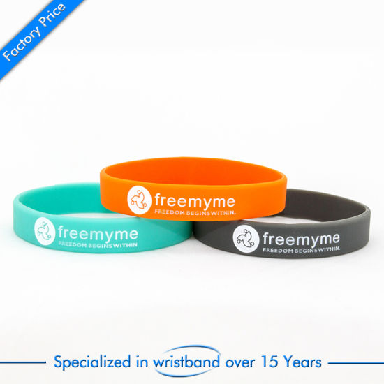 China Wholesale Cheap Silicone Bracelet or Wristband with Customized Logo pictures & photos