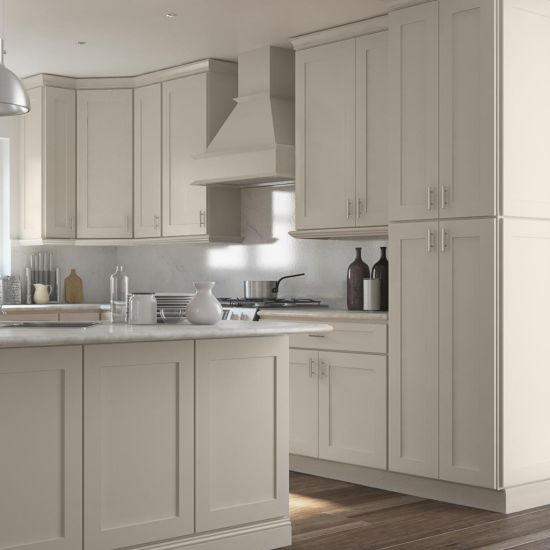 Modern Design Shaker Style Solid Wood / Lacquer Kitchen Cabinet with Island