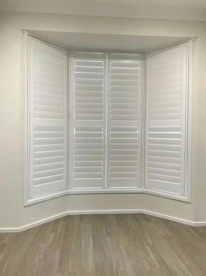 2019 Bay Window With High Quality Wooden Plantation Shutters