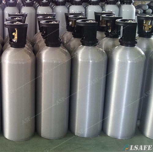 Beverage Service Aluminum Refill CO2 Gas Cylinders pictures & photos