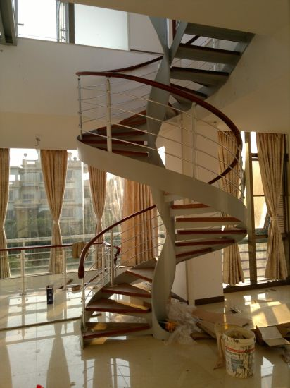 Floating Cantilevered Staircase With Red Oak Wood Tread Stairs