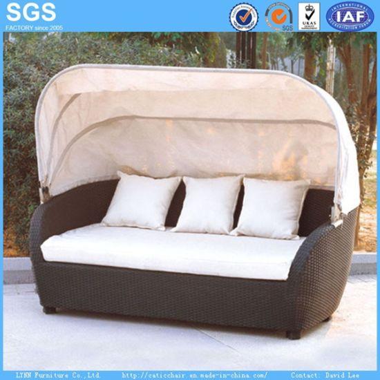 China Garden Rattan Furniture Outdoor Sofa with Canopy - China Sofa ...