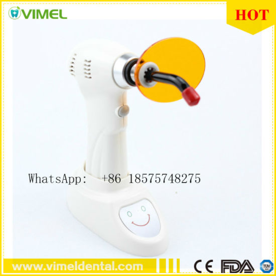 Dental Equipment LED Curing Lamp Light Cure Supply 1500MW/Cm2 pictures & photos