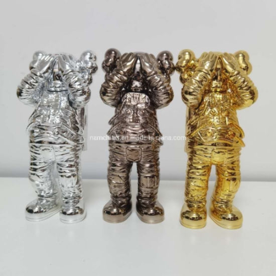 Good Quality Resin Crafted Popr Art Kaws Space Man Statue for Home Decoration