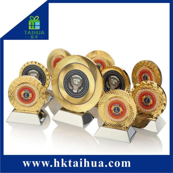 Custom Sport Competition Metal Medal Souvenir (TH-mkc101)