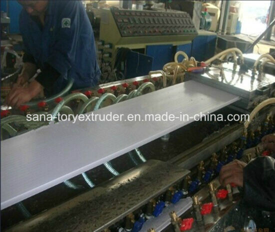 PVC Wood Plastic WPC Profile Production Line/ Extrusion Machine pictures & photos