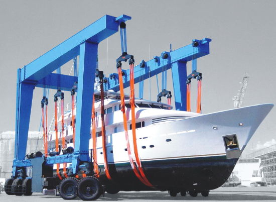 Mobile Boat Lifting Crane pictures & photos